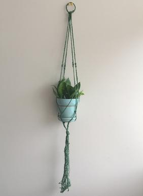 Do-Lit-Yourself: Hanging Planters